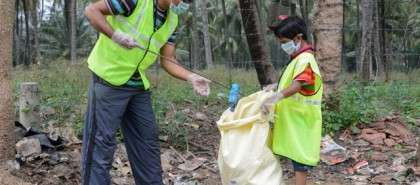 Isha Yoga Center participates in Clean India campaign