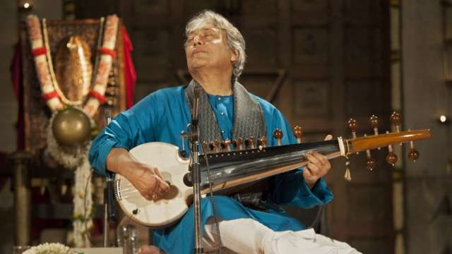 Ustad Amjad Ali Khan Plays the Indian Classical Music