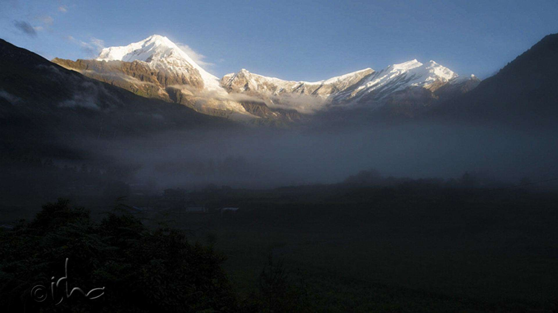 Dhaulagiri (7th highest mountain in the world) and Tuluche mountain peaks