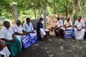 Sadhguru interacts with Local farmers on the way to Pondicherry