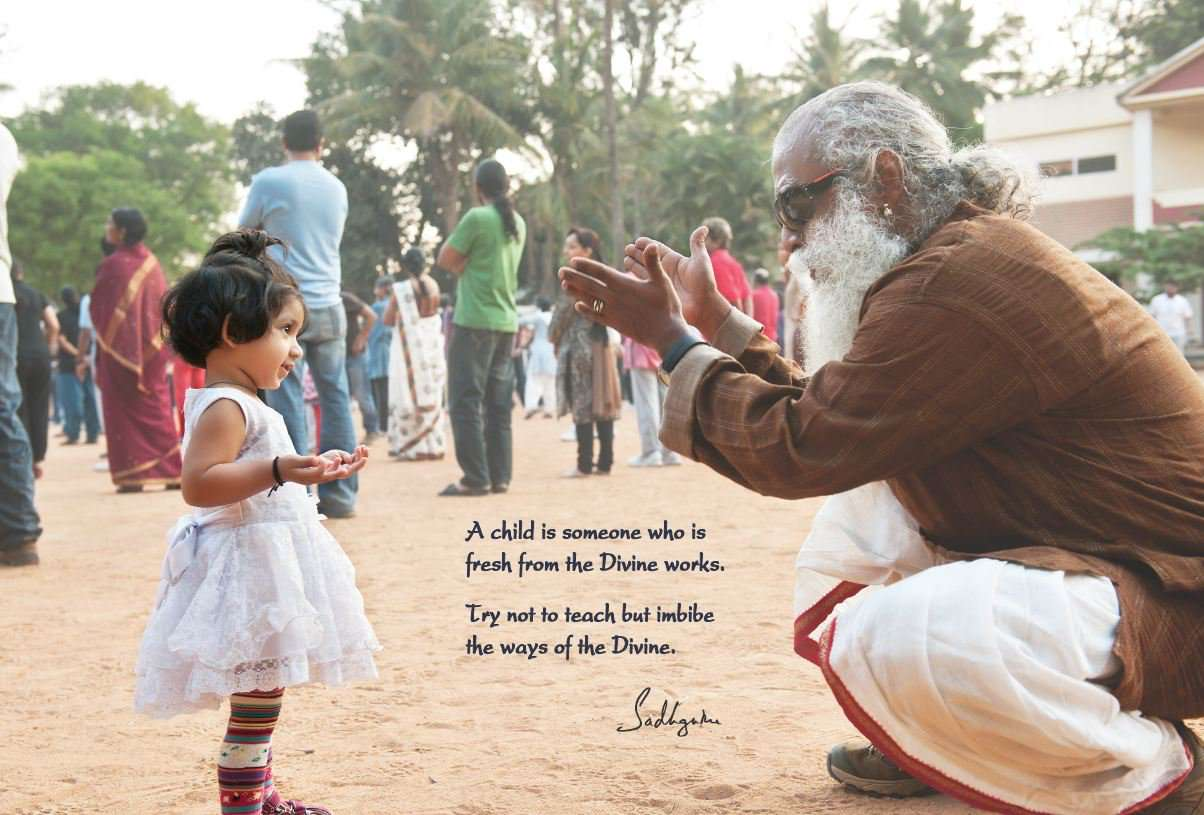Sadhguru playing with a girl child | A Child Needs No Instruction Manual